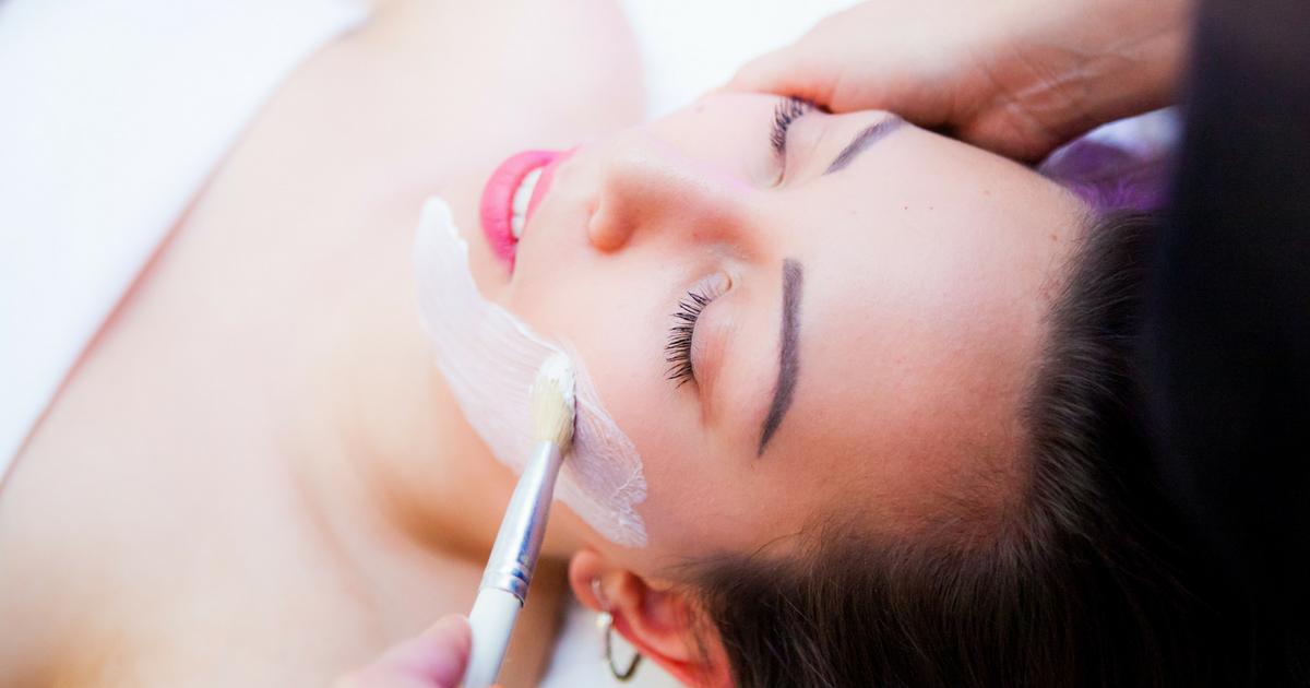 populær massage ansigtsbehandling