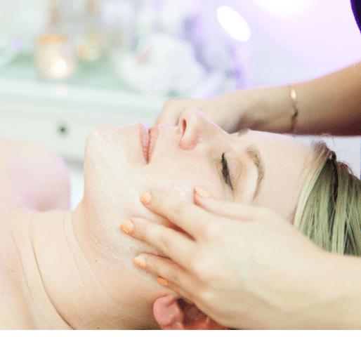 Massage og ansigtskur behandling
